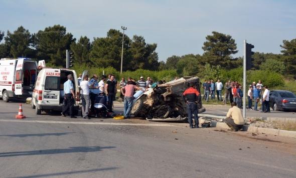 Otomobil ile cip çarpıştı: 1 ölü, 4 yaralı