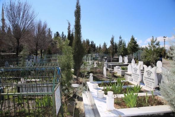 Çorum'da mezarlıktan ağlayan kız sesi geldiği iddiası