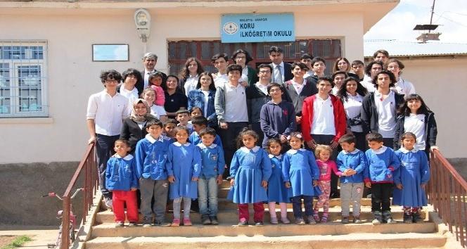 Malatya TED Koleji Arapgir'de kitap dağıttı