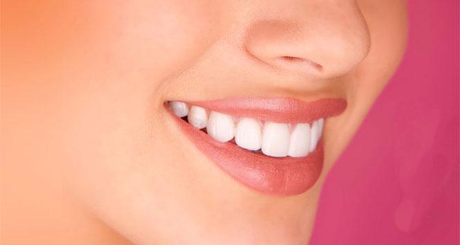 Pembe diş estetiği öncesi diş eti durumu önemli