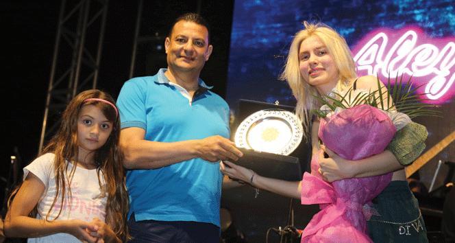 KAÜ festivalinde Aleyna Tilki rüzgarı