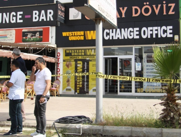 Antalya'da kar maskeli dövizci soygunu
