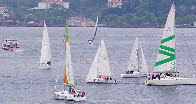 Boğazda BAU Sailing Cup rüzgarı esti