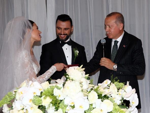 Alişan ve Buse Varol evlendi! İşte ilk kareler...