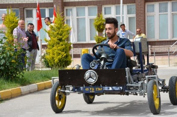 Öğrenciler hurdalardan iki bin liraya otomobil yaptı