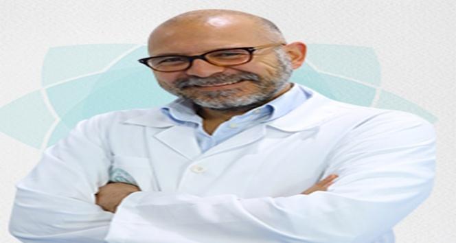 """Radyoloji Uzmanı Mehmet Alp Dirik: """"Solgun yüzü dikkate alın"""""""