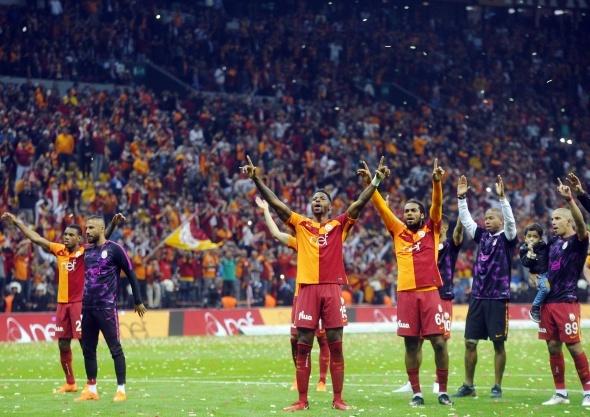 Galatasaraylı futbolcuya sürpriz talip
