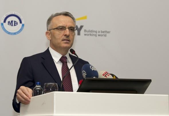 Maliye Bakanı Ağbal'dan emeklilere ikramiye ve yaşlılık aylığı açıklaması