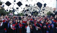MAKÜde mezuniyet coşkusu