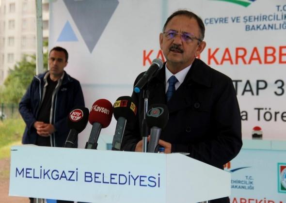 Bakan Özhaseki: 'Madem o kadar kıymetliydi kendi partinize genel başkan yapsaydınız'