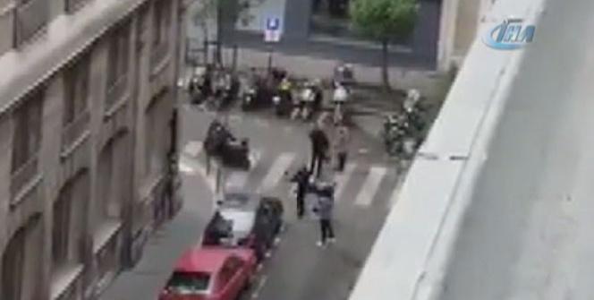 Paris'te bıçaklı saldırı: 2 ölü