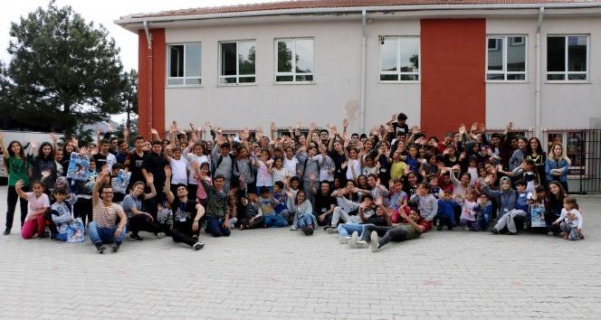 İhlas Kolejinin Umut Ağacı Kulübüden, Çorludaki öğrencilere yardım eli