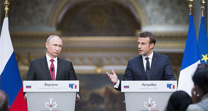 Putin ve Macron telefonda görüştü!