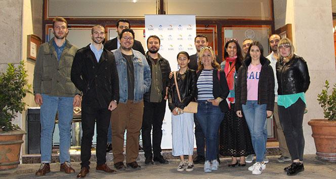 İspanyada yaşayan BAU mezunları Madridde buluştu