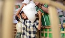Arakanlı Müslümanlara Ramazan kumanyası dağıtımı