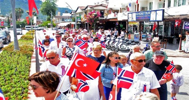 Norveç milli bayramı Kemer'de kutlandı
