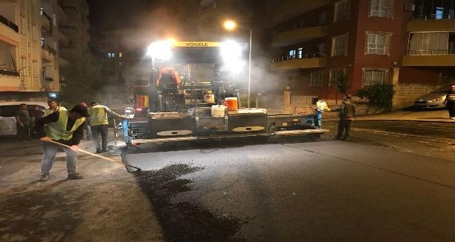 Batman'da Ramazan dolayısı ile asfalt serimi gece yapılıyor