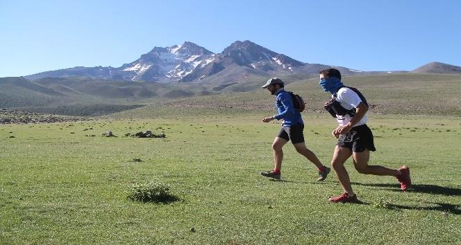 Atletler Erciyes'in volkanik tepelerine meydan okuyacak