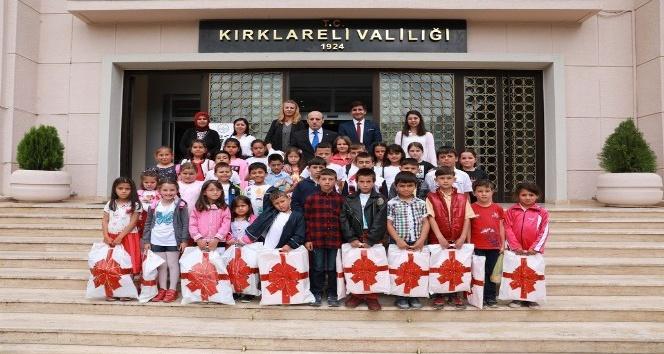 Vali Çifçti, Dereköy'den gelen öğrencileri ağırladı