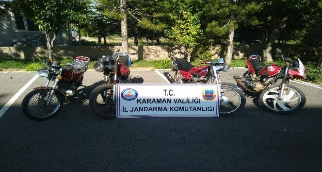 Jandarmanın sorguladığı motosikletler çalıntı çıktı