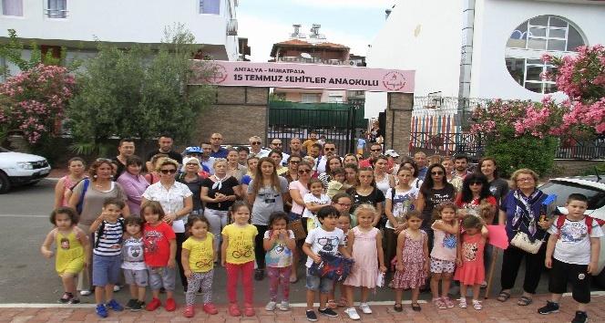 Antalya'da okul kapanmasın eylemi