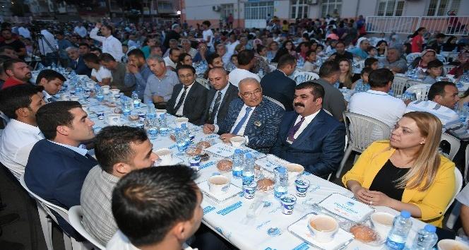Kocamaz, Yenişehirli vatandaşlarla iftar açtı