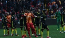 ÖZET İZLE: Yeni Malatyaspor 3-2 Kayserispor Maçı Özeti ve Golleri İzle  Malatya Kayseri kaç kaç bitti?