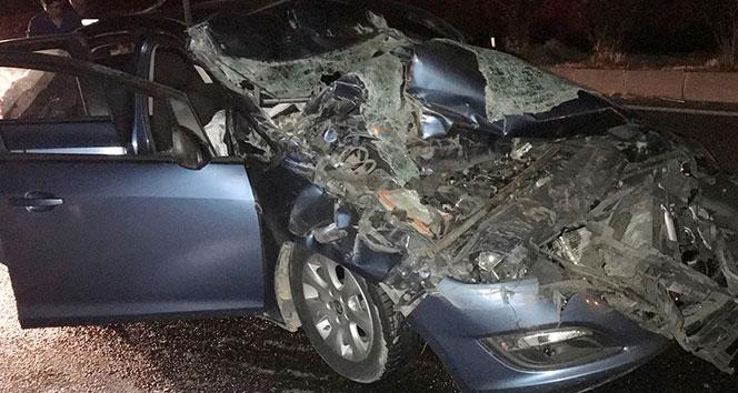Milas'ta bir otomobil, kamyona arkadan çarptı; 1 yaralı
