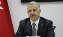 """Bakan Arslan: """"Türkiye'yi DEAŞ'ın destekleyicisi gösteren Wikipedia'nın yayın yapma şansı yok"""""""