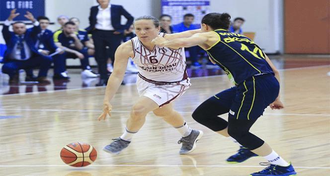 Final serisinde Yakın Doğu Üniversitesi ile Fenerbahçe üçüncü maça çıkıyor