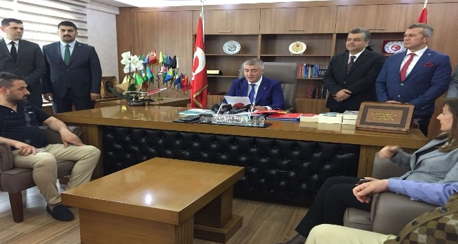 MHP Milletvekili adaylarını açıklayan İl Başkanı Serkan Tok,
