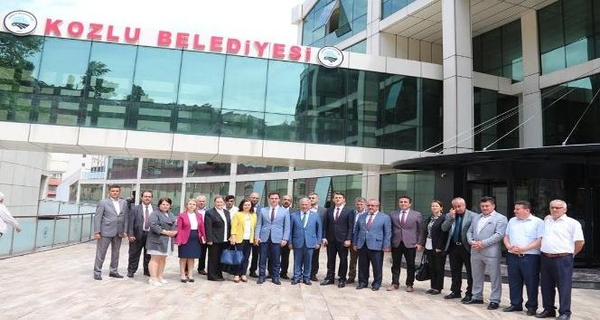 Yeni hizmet binalarına taşınan Belediye Başkanı Yılmaz'a ziyaretler sürüyor