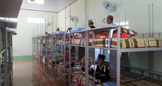 Vietnam'da An Giang Kız Eğitim Merkezi hizmete açıldı
