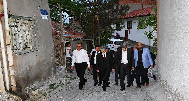 Başkan Tuna, iftar sofralarına konuk olmayı sürdürüyor