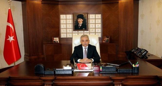 Vali Toprak'tan 19 mayıs Atatürk'ü anma, gençlik ve spor bayramı mesajı
