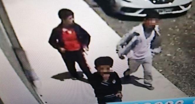 Çocuk hırsızlar önce kameraya sonra da polise yakalandı