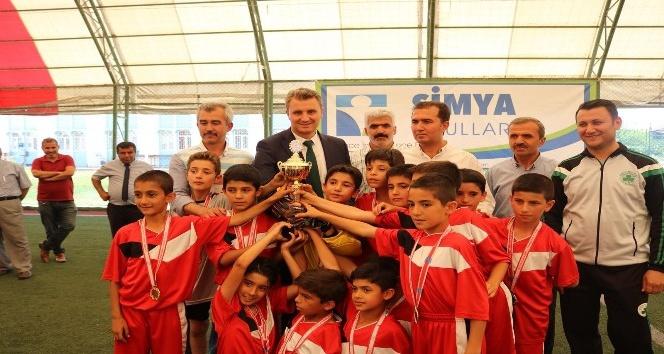 İlkokullar Arası Kardeşlik Kupası futbol turnuvası sona erdi