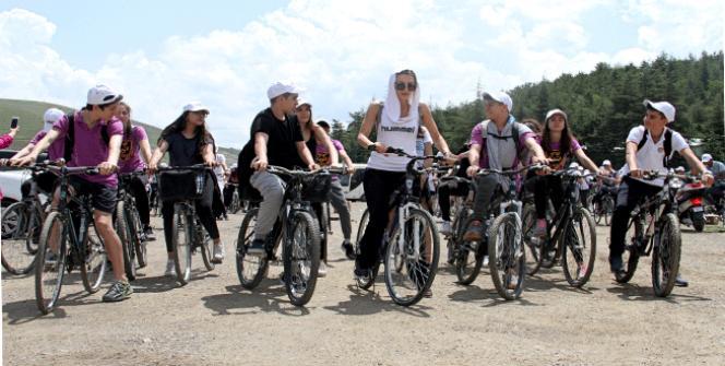 Öğrenciler, obeziteye karşı pedal çevirdi