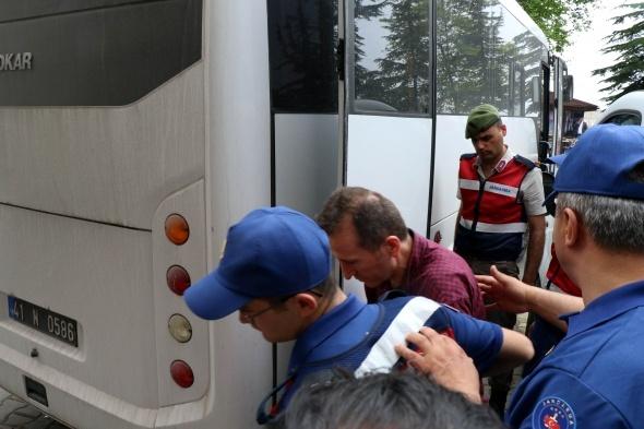 FETÖ/PDY davasında tutuklu 5 sanığa hapis cezası