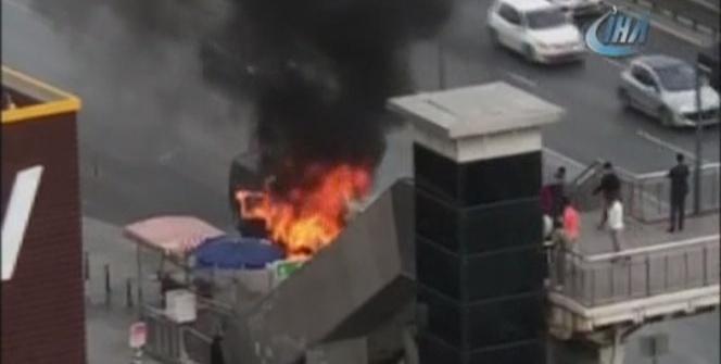 E-5'te korkutan araç yangını