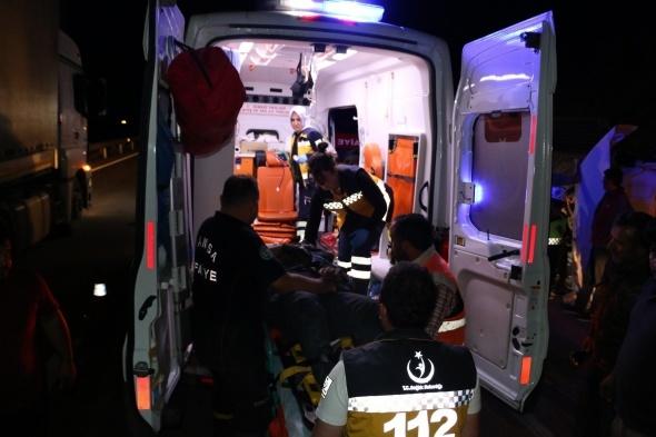 Feci kaza: Tır kamyona çarptı