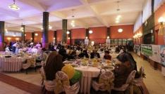 Yetimler iftar sofrasında buluştu