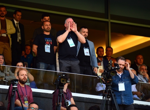 Fenerbahçe'nin tarihi kongresinde yüksek tansiyon! Tehdit iddiası...