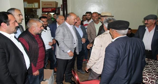 Vali Azizoğlu, Mahallebaşında vatandaşları dinledi