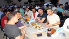 Cizrede hastane personeli iftar sofrasında bir araya geldi