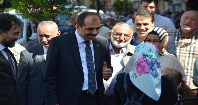 AK Parti Trabzon Milletvekili Muhammet Balta, seçim çalışmalarını Akçaabat'ta sürdürdü