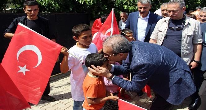 """AK Parti Genel Başkan Yardımcısı Mehdi Eker: """"PKK, Diyarbakır'ın imkanlardan faydalanmasını engelledi"""""""
