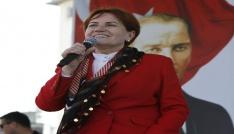 İYİ Parti Genel Başkanı Akşenerden şerbetli gelin çıkışı