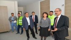 Kırşehir AEÜsi Rektörü Karakaya, Fizik Tedavi ve Rehabilitasyon Hastanesi İnşaatında incelemede bulundu