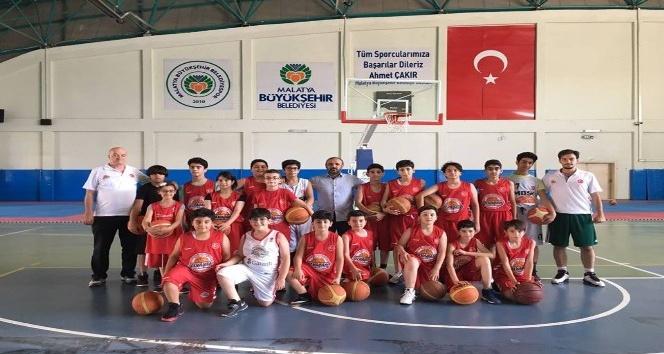 Büyükşehir basketbolda iddialı hazırlanıyor